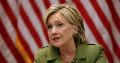 Clinton details plans to boost small businesses
