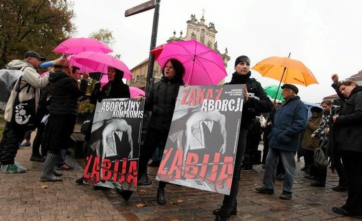 Polish women protest again as ruling party heats up abortion row
