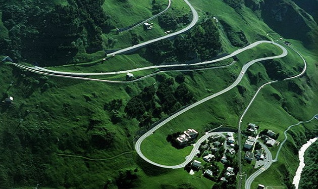 the-world-most-beautiful-ever-road-_switcherland