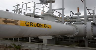 Oil prices drop 3 percent on rising global supplies