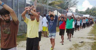 Australian medical group wants access to Manus Island asylum seekers