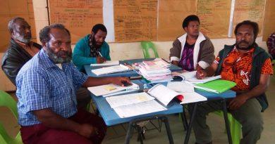 Enga Teachers Support Standard Based Curriculum